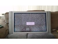 """42"""" goodmans wall mounted tv in good working order"""
