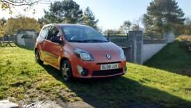 Orange Renault Twingo Extreme, 1.2 Petrol
