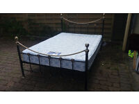STUNNING METAL FRAME 3/4 (4 FT) BED AND MATTRESS.DELIVERY POSSIBLE