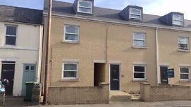 Two bedroom duplex apartment close to the City Centre. Refurbished & available now.