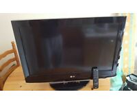 "LG 32"" LCD FULL HD TV WITH FREEVIEW"