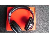 ------------------------ 'S' Headphones Bluetooth Wireless / usb Rechargable Good condition