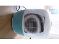 B&Q Dehumidifier - Hardly used and in full working order. Boxed and instructions supplied.