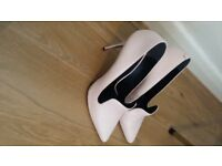 Light Pink Ladies Shoes size 7.