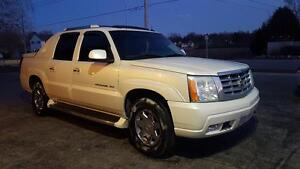 2004 Cadillac ESCALADE EXT CERTIFIED ETESTED  $6999+taxes