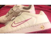 Nike trainers £5 size 7