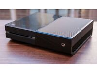Xbox One with 1 controller and 2 games