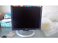 High Definition - Dell Computer Screen 14/15 inch very cheap price