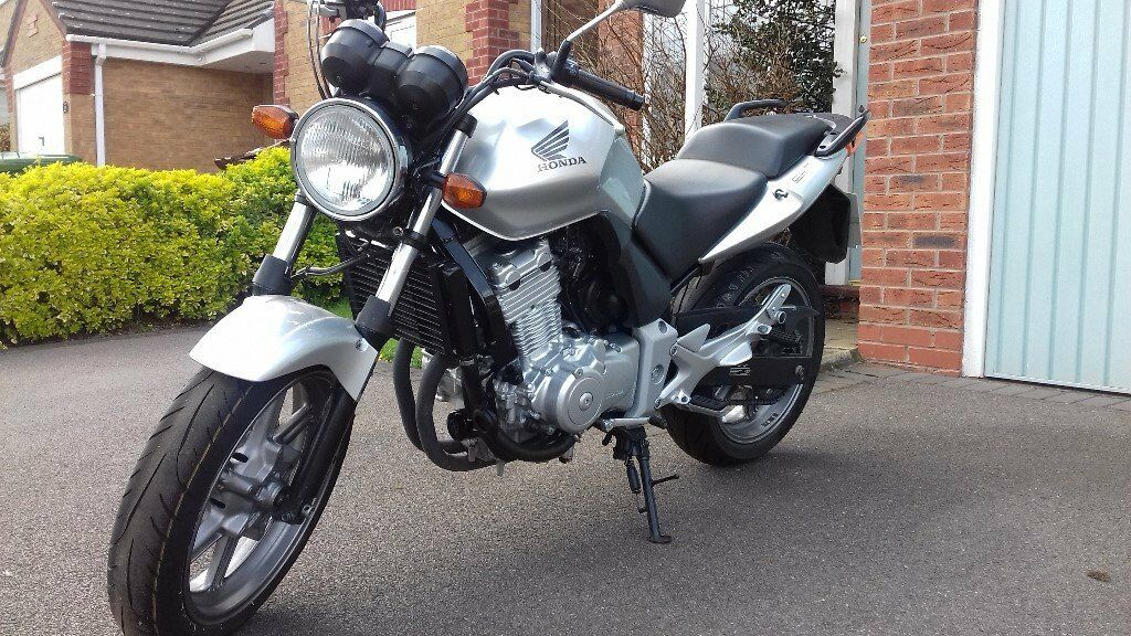 Honda CBF 500. Silver. Low Milage. Excellent condition for age, new Avon Storm 3D Tyres.