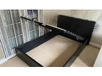 Leather double bed with hydraulic base