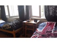 Large Twin Room Share for 1 Person Avail in Fulham