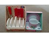 Cup and saucer set + toast set