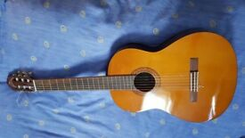 Yamaha C40 Acoustic Guitar For Sale £50