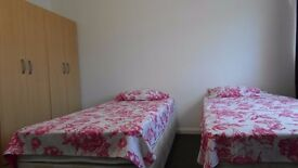 twin room available in Bethnal Green station. £200pw all incl