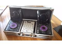 2 x PIONEER CDJ 1000's + KAM KCM350 MIXER + COFFIN FLIGHT CASE + DUST COVERS + ALL LEADS
