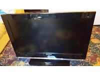 Almost new 32 inch Samsung tv in box with all accessories only 90