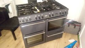 Bella 8hob Range Cooker 2 ovens, 1 grill, 1 oven tray storage compartment