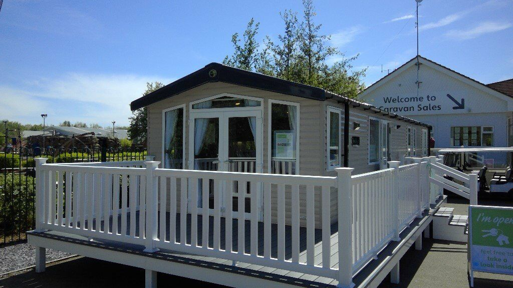 STATIC CARAVANS FOR SALE AT THORPE PARK HOLIDAY CENTRE IN CLEETHORPES