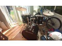 Full size 5 piece drum kit