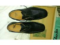 New Clarks shoes black size 9.5