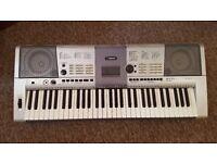 Yamaha PSR-E403 electric keyboard - 61 keys - great instrument!