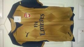 Arsenal Away shirt / t-shirt / top / jersey / kit 15/16 Premier League football season. Size Medium