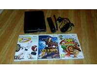NINTENDO Wii, WITH 3 GAMES