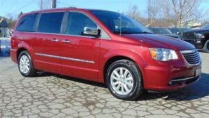 2016 Chrysler Town & Country LIMITED PLATINUM - ONLY 12,000 KMS