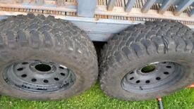 Set of 4 tyres off road tyres for Nissan Terrano II