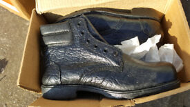 Workboots Size 9 Totectors never used