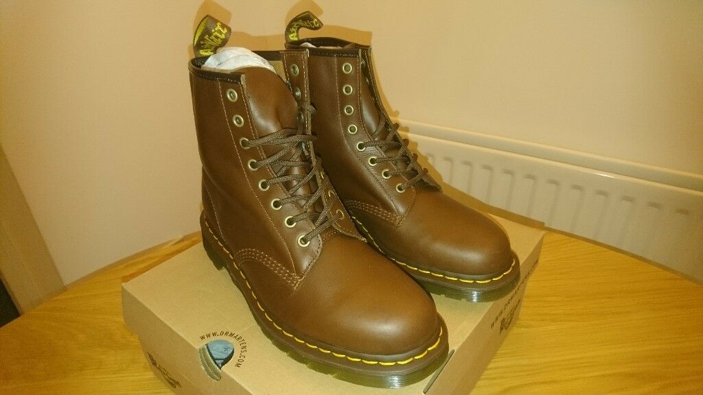 7635c4f6086 Dr Martens Carpathian 1460 Tan boots UK size 9 NEW IN BOX | in Mickleover,  Derbyshire | Gumtree