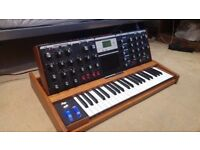 Moog voyager in perfect condition Minimoog Mahogany