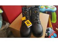 Size 9 Caterpillar safety boots