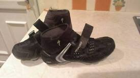 Cycle boots