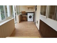 4 Bedhouse to let