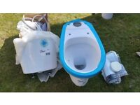 Never used- Roca's Wc pan with cistern and basin (with pedestal and tap).