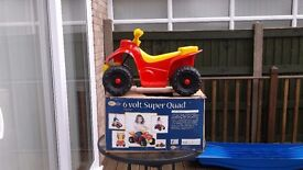 6V Childs Super Quad, like new, with charger & 2 batteries