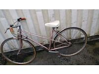 FALCON VINTAGE TOWN-BIKE 12 SPEED 700CC WHEELS AVAILABLE FOR SALE