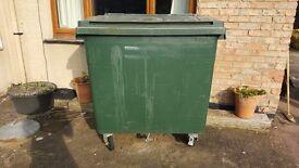 FREE: Large Green Wheelie Bin