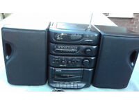 VINTAGE SANYO MCD-S675L COMPACT DISC, CASSETTE RECORDER, FM RADIO, ATTACHED OR DETACHED SPEAKERS