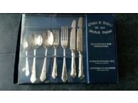 Oliver & Bower Classic Grecian 44 Piece Boxed Set Stainless Steel 18/10 lifetime