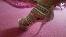 ❤ georgus silver heels ❤