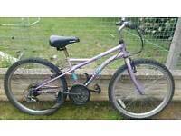 """Girls bike 24"""" wheels"""