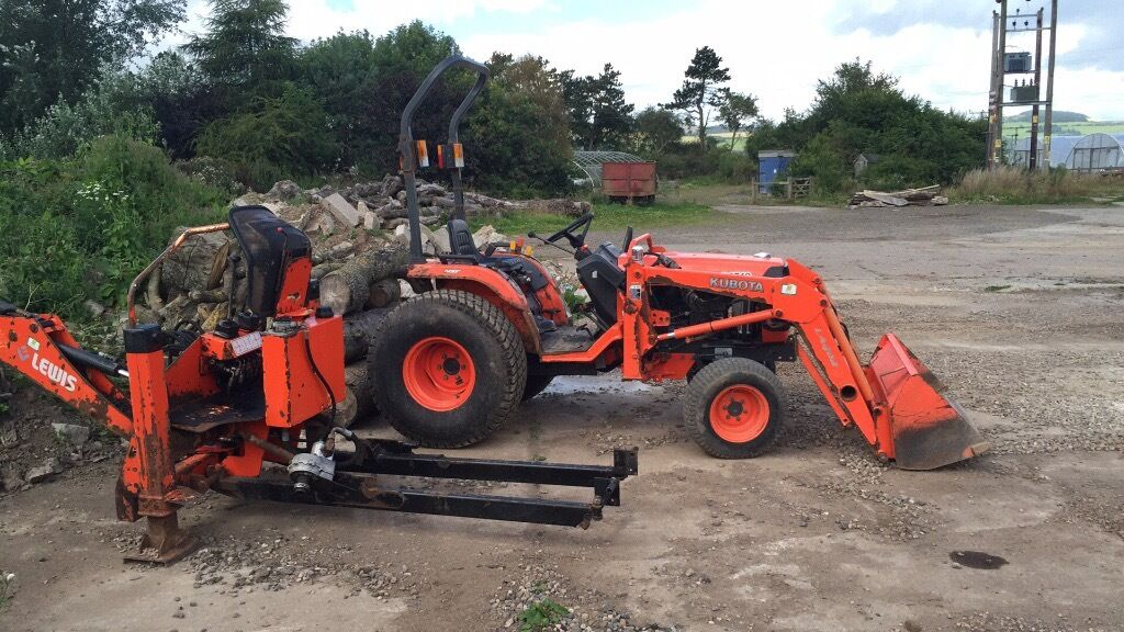 Digger Kubota B2710 Hst Tractor Loader With Lewis 320s