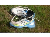 Kookabura cricket spikes/trainers