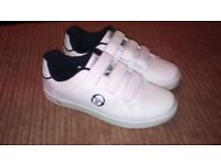 white size 5 trainers