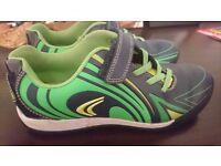 Boys shoes, 2F size