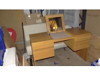 Oak look dressing table
