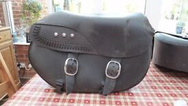 HARLEY-DAVIDSON 2014 Detachable Leather Saddlebags with fat boy lacing