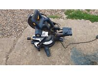 Macallister 1400 w Circular Slide Mitre Saw good wortking order can be seen working